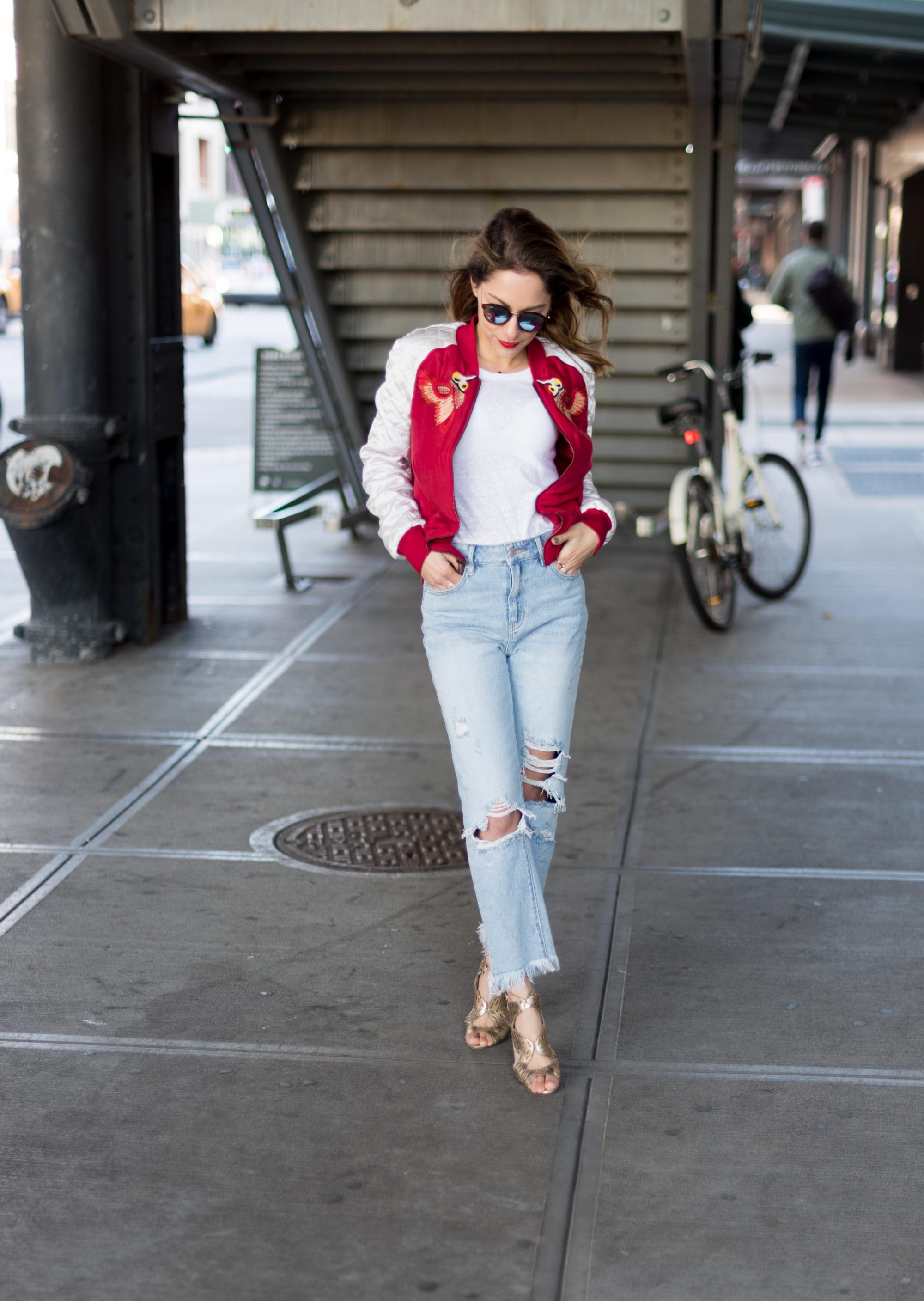 Whitney's Wonderland Top NYC Fashion Blogger Kendall & Kylie ripped high waist jeans