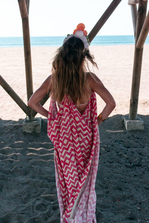 Whitney's Wonderland Costa Rican and UK Top Fashion Blogger wears Maaji long kimono