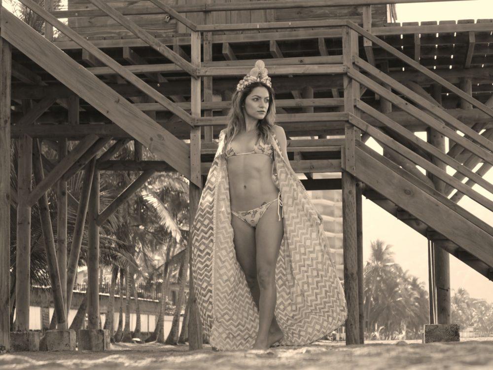 Whitney's Wonderland Costa Rican Top Fashion Blogger wears Madre Perla mermaid shell crown and Maaji long kimono
