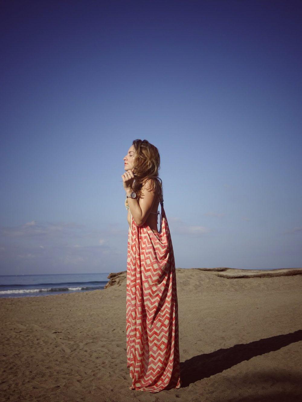 Whitney's Wonderland Costa Rican and UK Top Fashion Blogger wearing Maaji long kimono in Jaco