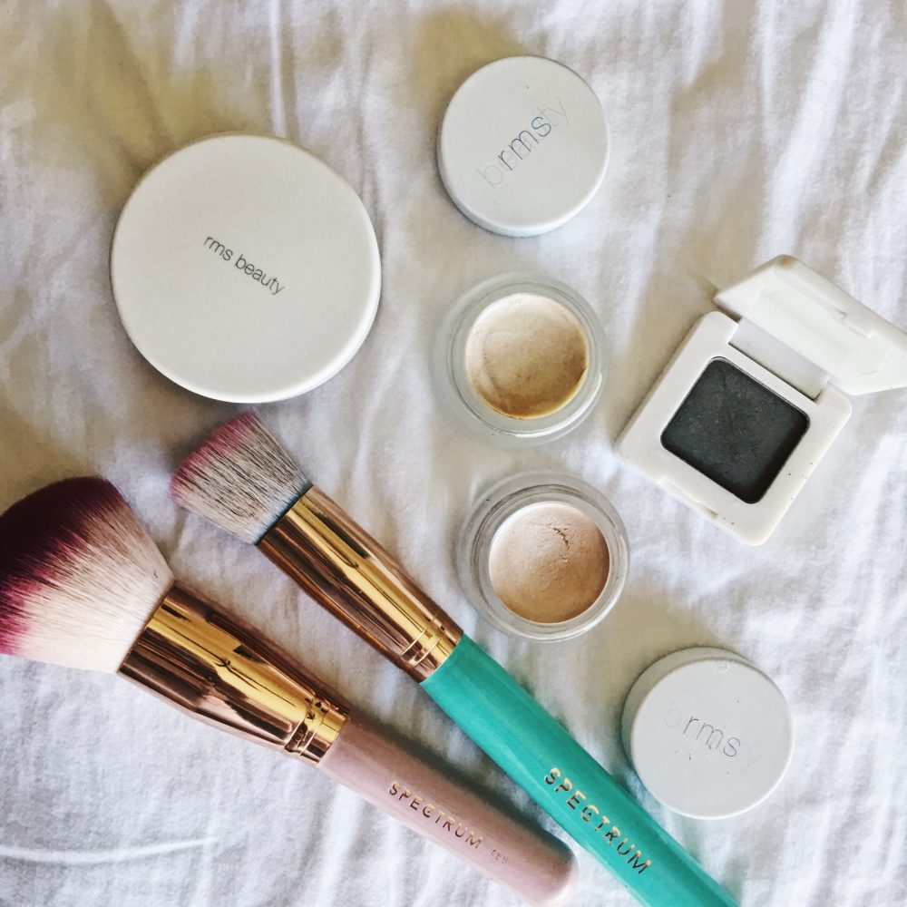 Whitney's Wonderland UK Top Lifestyle Blogger Daily Beauty Routine with rms organic beauty and spectrum vegan brushes