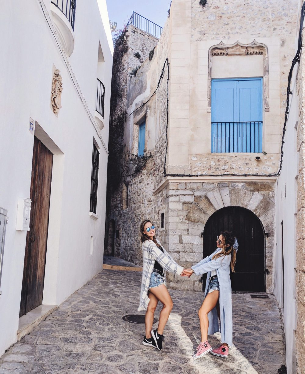 Whitney's Wonderland International Top Fashion Blogger in Dalt Vila, Old Town Ibiza