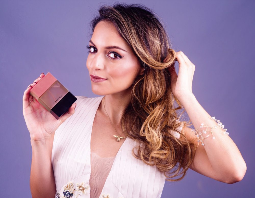 Whitney's Wonderland Whitney Valverde Costa Rican International Top Blogger face of #MACShadescents Velvet Teddy
