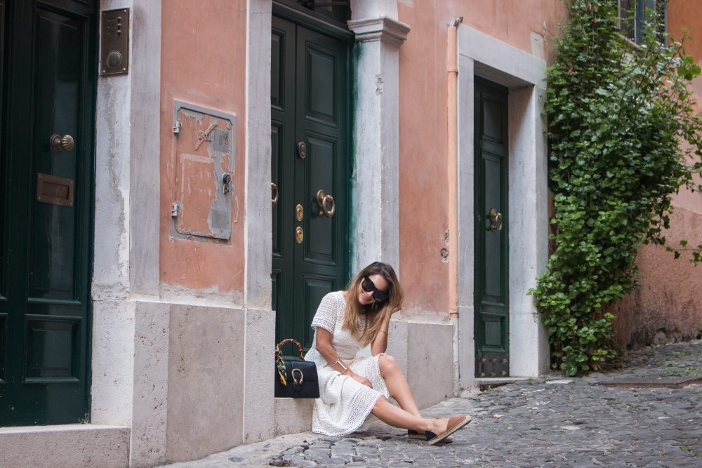 Whitney's Wonderland UK Top Luxury Lifestylen Blogger wears Boden white lace midi dress and Gucci dionysus bag in Rome